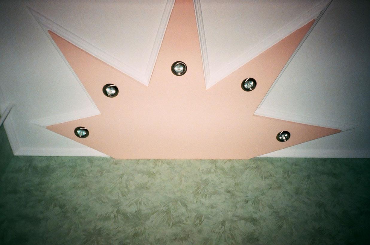 Звёзды на потолке своими руками 61